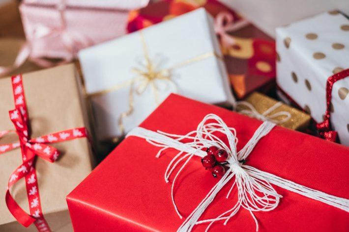 Regali di Natale: consigli per evitare di presentare qualcosa di anonimo