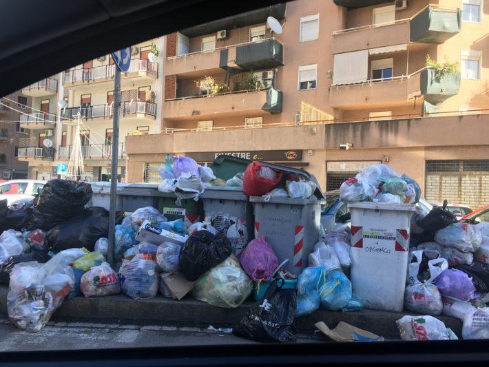 A Palermo la differenziata è per colore