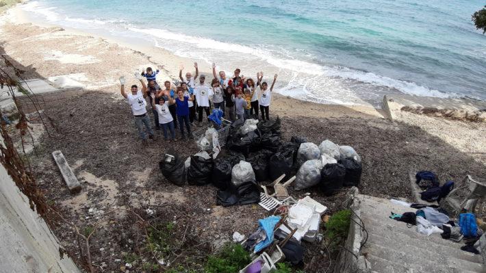 WWF: a Santa Flavia c'è una bellissima spiaggia colpita da un VIRUS, la plastica